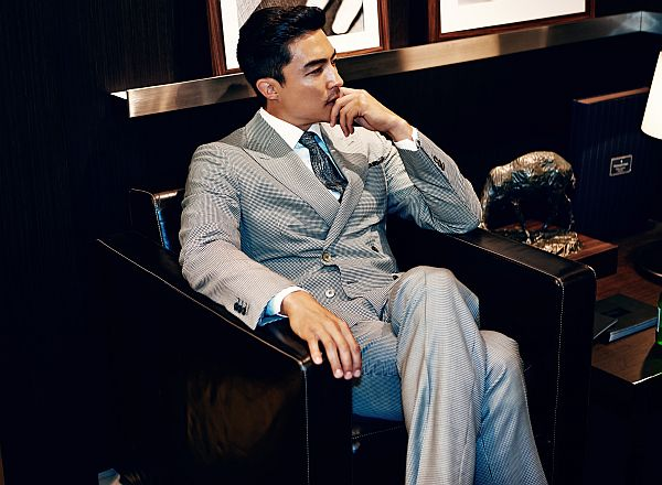daniel_henney_rocks_in_this_suit